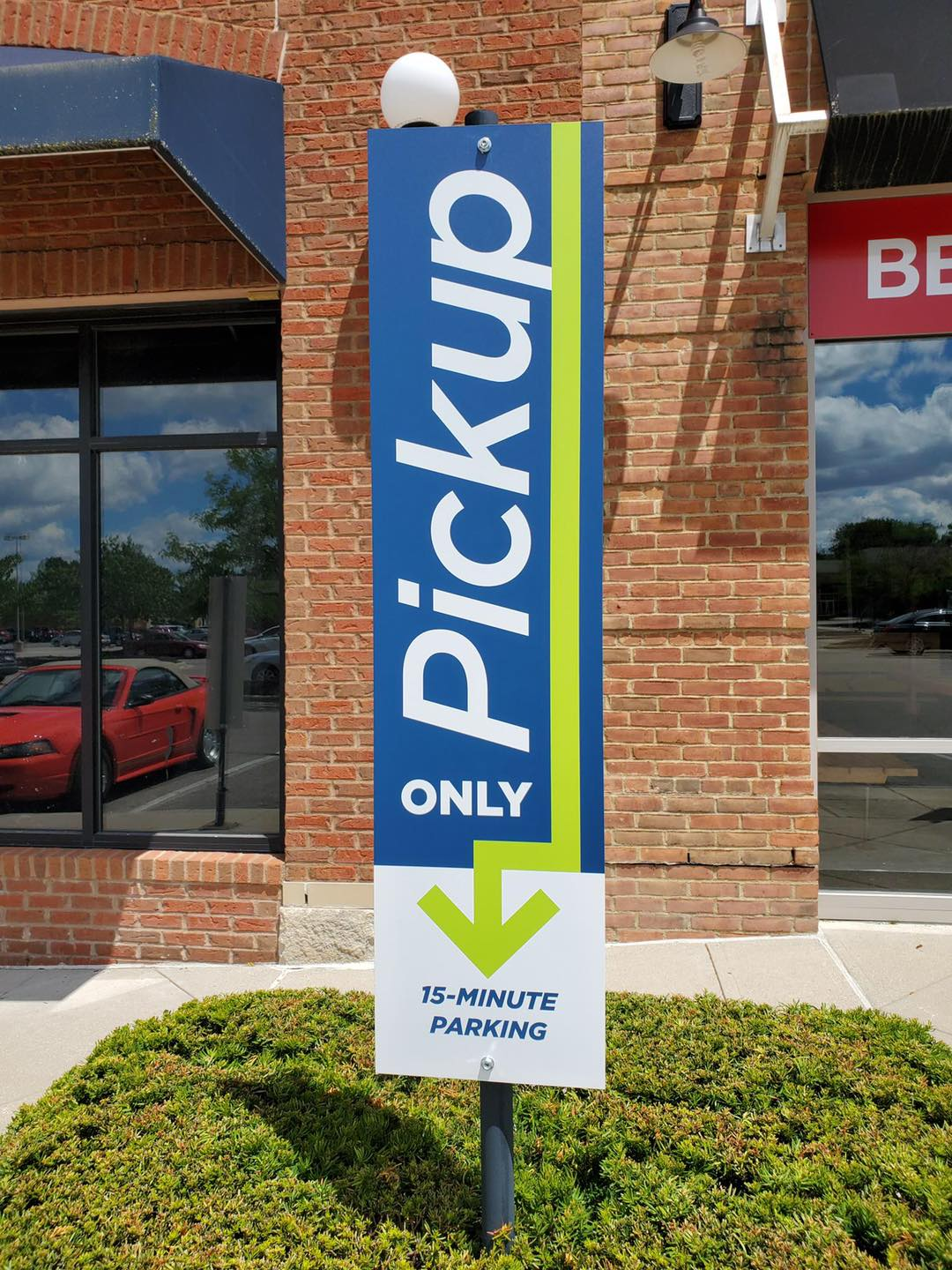 Up close look at the signage CASTO helped create for our tenants drive-up paking signage